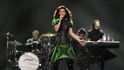 """Actuación de Georgia, con Eldrine  y el tema """"One More Day""""."""
