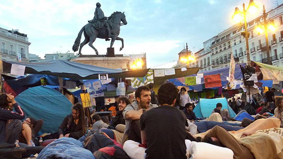 El movimiento 15M de Sol decide continuar con la acampada, al menos, una semana más