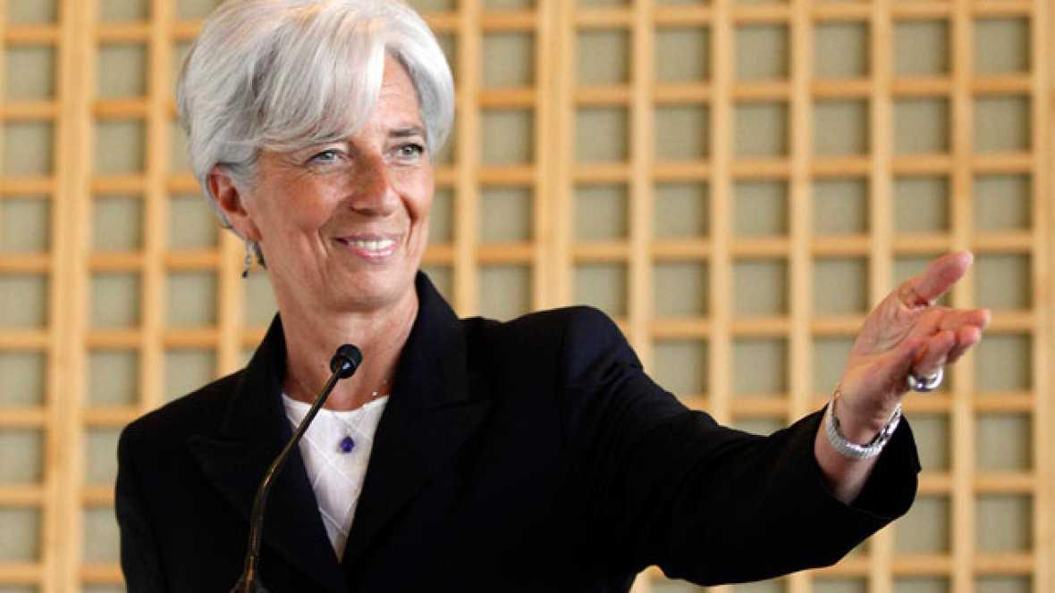 La ministra de Economía francesa, Christine Lagarde, ha presentado en París su candidatura para dirigir el FMI, apoyada por la mayoría de los países europeos.