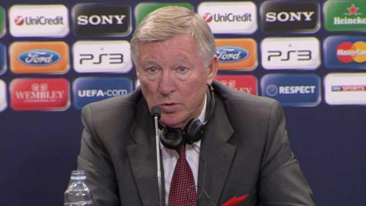 """El entrenador del Manchester United, sir Alex Ferguson, confesó  que el FC Barcelona, que se proclamó esta noche campeón de la Liga de  Campeones, tras derrotar, por 3-1, al club inglés en la final  disputada en el estadio londinense de Wembley, """"es"""