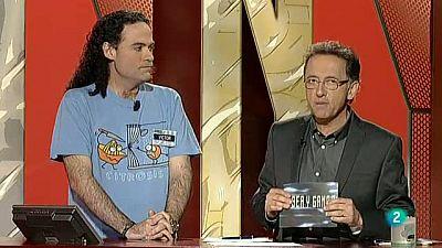 Un magnífico concursante, Víctor Castro, logra llegar a los 100 programas en 'Saber y ganar'. Así le felicita Jordi Hurtado cuando consigue ese hito.