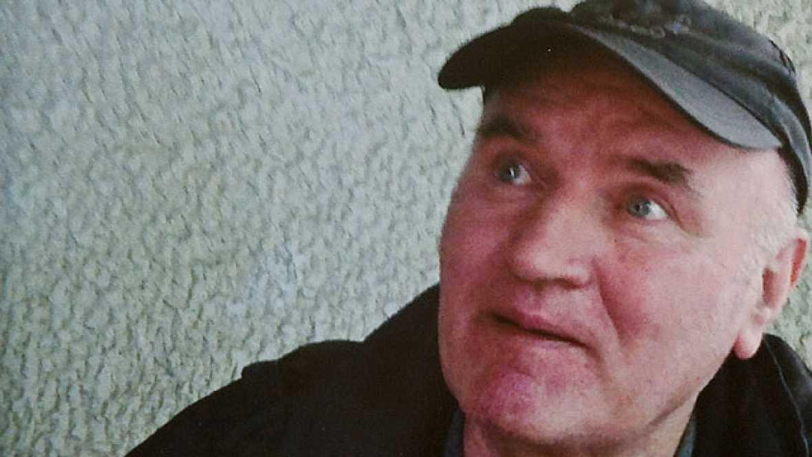 Una semana y un día después de su detención, el exgeneral serbobosnio, Ratko Mladic, escuchará este viernes a partir de las 10.00 horas los cargos de los que se le acusa