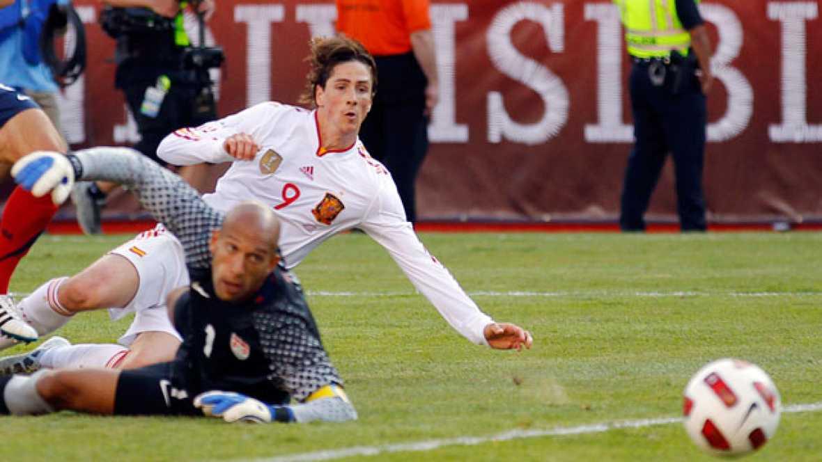 """El delantero Fernando Torres ha comentado al finalizar el partido que en la selección """"todo sigue como siempre, con un equipo junto, unido y con compromiso""""."""