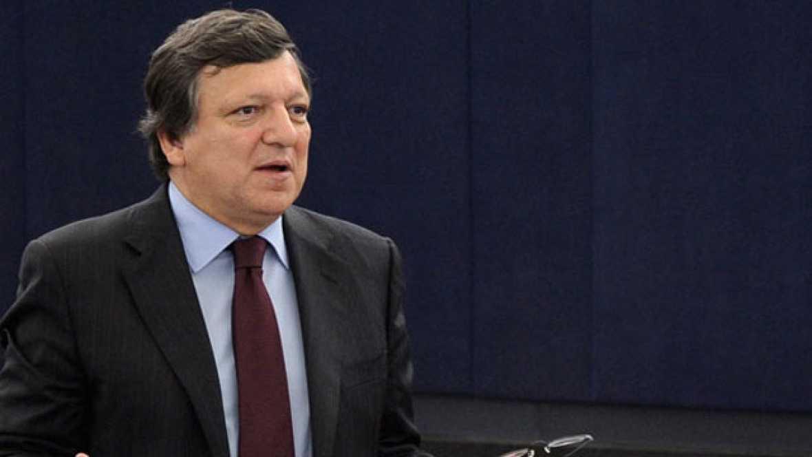 La Comisión Europea ha instado al Gobierno español a reducir las cotizaciones sociales, para reducir los costes salariales, y al mismo tiempo, incrementar el Impuesto de Valor Añadido (IVA) y los impuestos sobre las energías