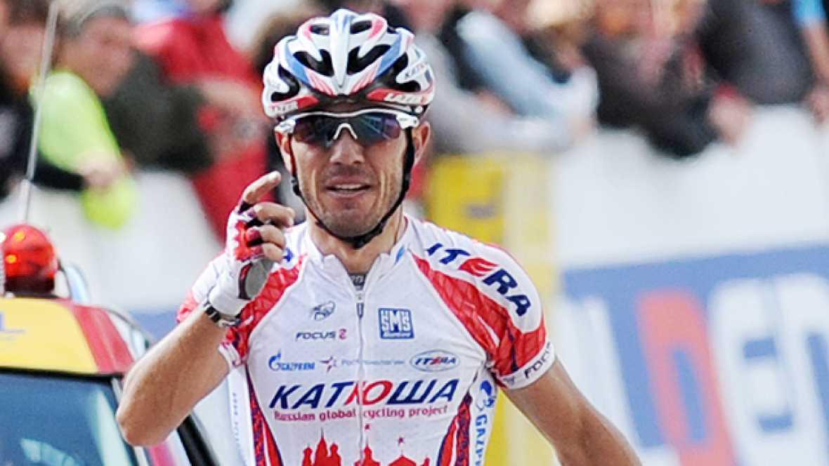 El español Joaquim 'Purito' Rodríguez (Katusha) se exhibió para ganar en solitario la sexta etapa del Criterium del Dauphine, con salida en Les Gets y llegada en la subida al Le Collet d'Allevard (192,5 km), y el británico Bradley Wiggins (Sky) afian