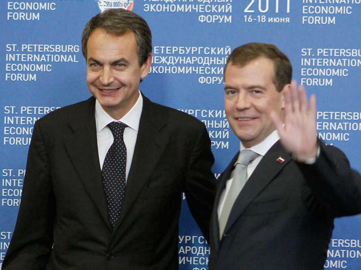 Zapatero espera que las ayudas a Grecia devuelvan la tranquilidad a los mercados