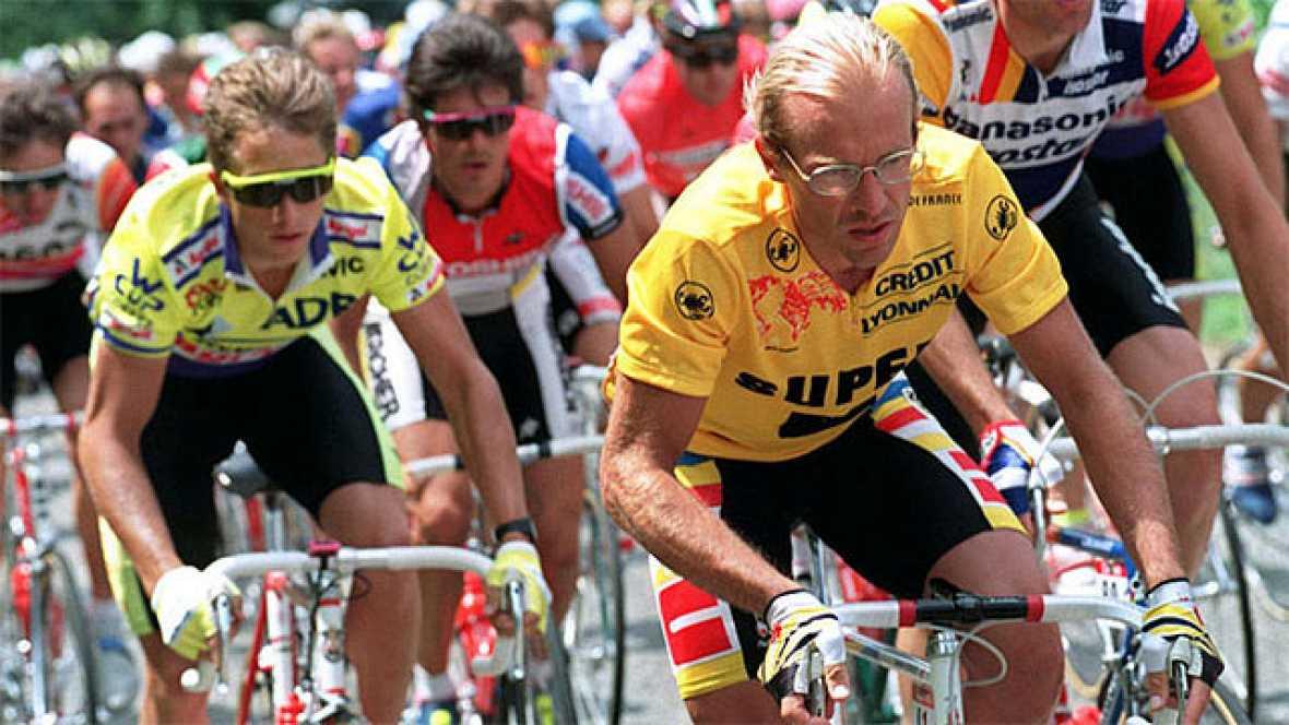 Tras varias etapas en las que las diferencias entre LeMond y Fignon cambiaban de un día para otro, llegó la 17ª etapa, con final en Alpe d'Huez, en la cual vencería el neerlandés Gert-Jan Theunisse. Perico Delgado, que fue segundo en aquella etapa (y