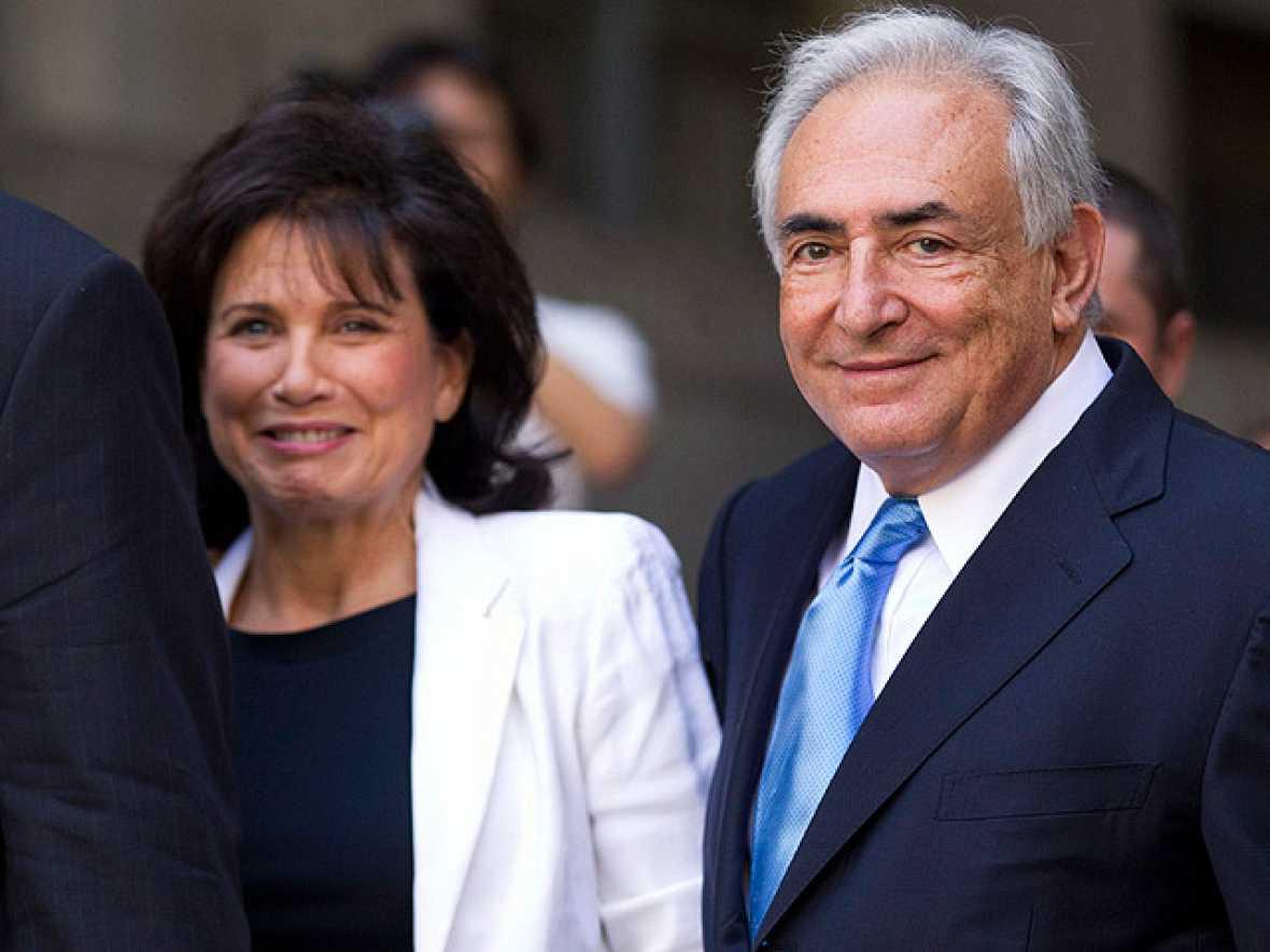 Strauss-Kahn queda en libertad pero se mantienen los cargos de agresión sexual