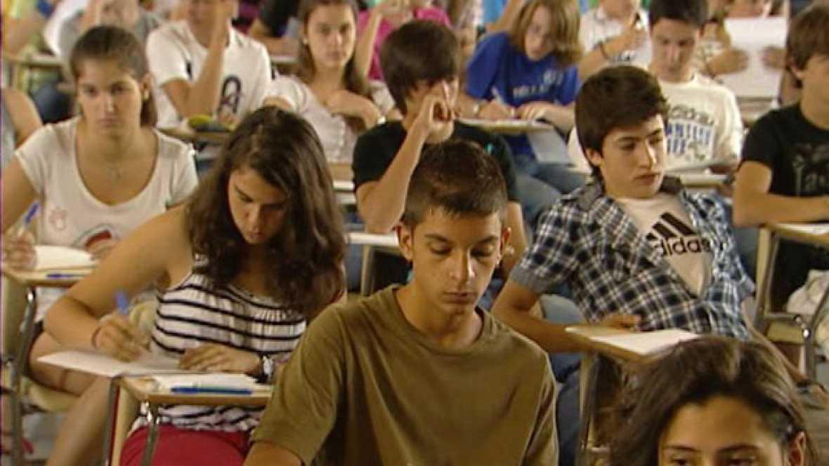 2.300 alumnos  se han presentado hoy al examen para conseguir premio extraordinario
