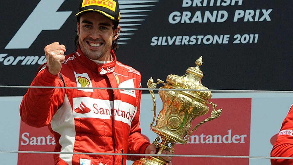 El piloto español Fernando Alonso ha conseguido su primera victoria de la temporada en el GP de Gran Bretaña, por delante de Vettel y Webber.