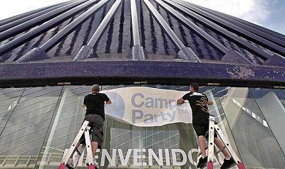 La decimoquinta edición de la Campus Party da comienzo el este lunes y contará con la asistencia de 5.800 personas. Esta entrega de la Campus Party tendrá lugar en la Ciudad de las Artes y las Ciencias de Valencia.