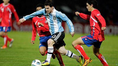 La selección argentina se ha clasifuicado para cuartos de final de la Copa América tras vencer por 3 goles a cero a Costa Rica tras un gran partido de Messi.