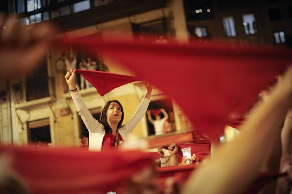 """Fiestas de San Fermín - """"Pobre de mí"""" - 14/07/11 - Ver ahora"""