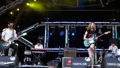 os gallegos presentaron los temas de su último disco 'Luz, oscuridad, luz' en una calurosa tarde de sábado en Benicassim (16/07/11).