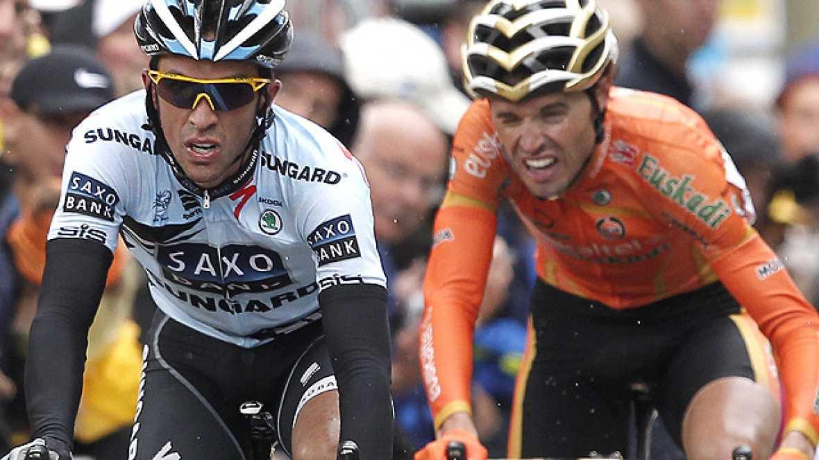 Alberto Contador ha sido el protagonista de la 16ª etapa del Tour de Francia, que ha ganado Hushovd y en la que el ciclista español ha recuperado parte del tiempo que tenía perdido ante sus rivales.