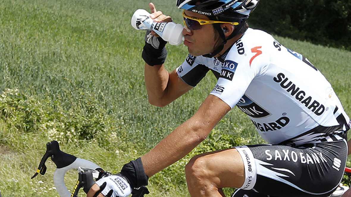 La sorpresa que dio Alberto Contador en la 16º etapa del Tour de Francia ha hecho que la carrera tome un cariz diferente. El corredor de Saxo Bank tiene en Pinerolo (Italia) una nueva oportunidad para recortar tiempo con un buen descenso.