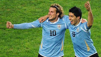 Uruguay se ha clasificado para la final de la Copa América tras vencer a Perú por 0-2 gracias al trabajo colectivo y al oportunismo de Luis Suárez, que ha dado los dos goles de la victoria.
