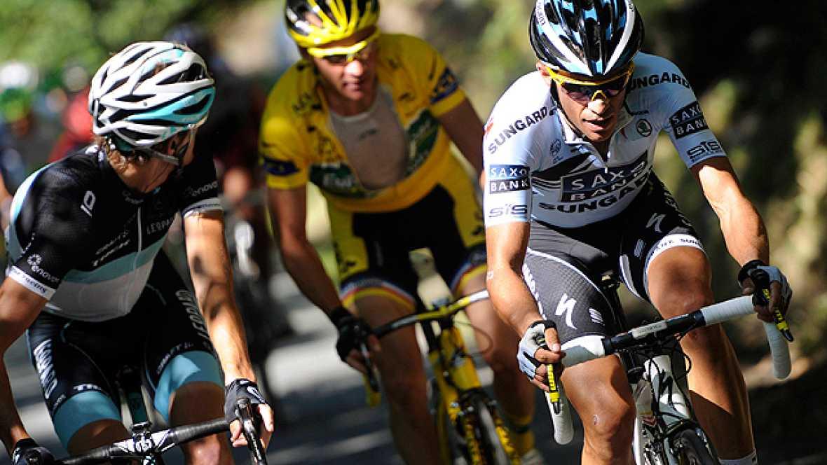 Alberto Contador vuelve a poner patas arriba el Tour de Francia con un ataque al que solo han podido responder Andy Schleck, Voeckler, Evans y Frank Schleck.