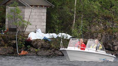 El autor del atentado en la isla de Utoya disparó contra los jóvenes durante 90 minutos