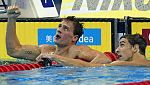 Lochte vuelve a batir a Phelps