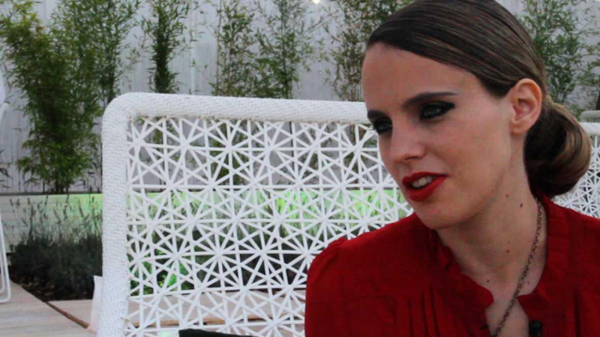 Charlamos en el 'backstage' del FIB 2011 con una de las sensaciones del año 2011, la londinense Anna Calvi.