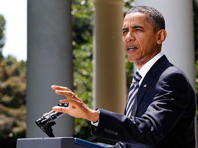 """EE.UU. aprueba el plan de deuda que evita la suspensión de pagos y Obama señala que es """"el primer paso"""""""