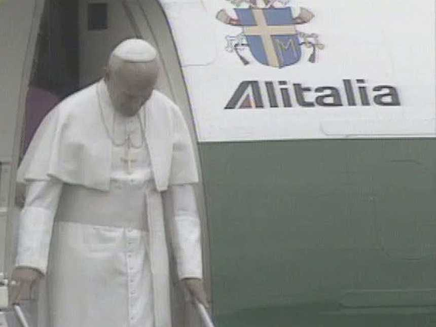 Antesala de una visita (El papa en Santiago de Compostela)