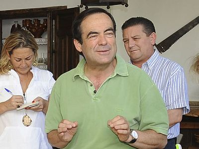 El presidente del Congreso, José Bono, ha anunciado su intención de no repetir como diputado en las elecciones generales del 20 de  noviembre. Bono dice que dejará en manos de Rubalcaba su presencia en las listas del PSOE.