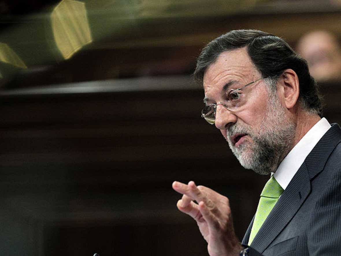 Rajoy acepta limitar el déficit en la Constitución