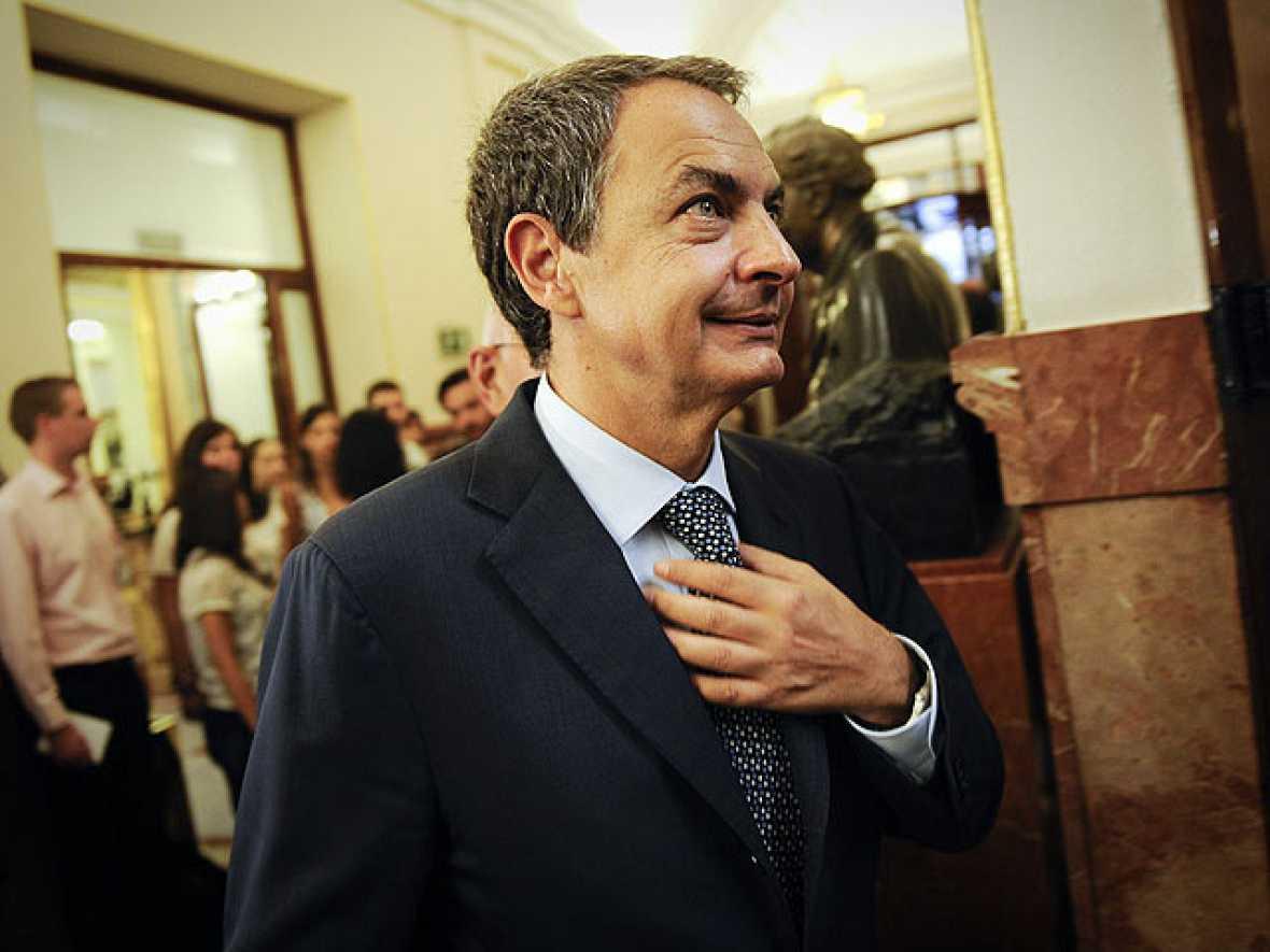 """Zapatero se siente """"satisfecho"""" porque la reforma constitucional es """"muy importante"""" para España"""