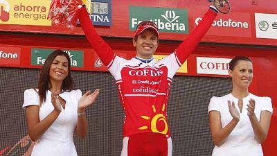 La primera etapa de alta montaña de la Vuelta, con final en la Farrapona, no ha dejado claro quién puede ganar la carrera. La ascensión al Angliru del domingo puede que saque de dudas. Hay un español, Juanjo Cobo, a sólo 55 segundos del lider, Wiggin