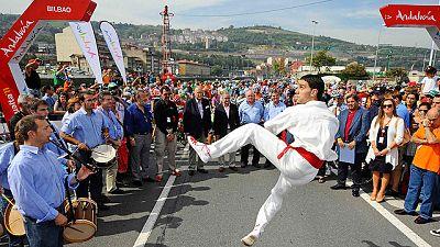 La Vuelta ciclista a España 2011, una de las más calurosas que se recuerdan llega a su fin en Madrid.