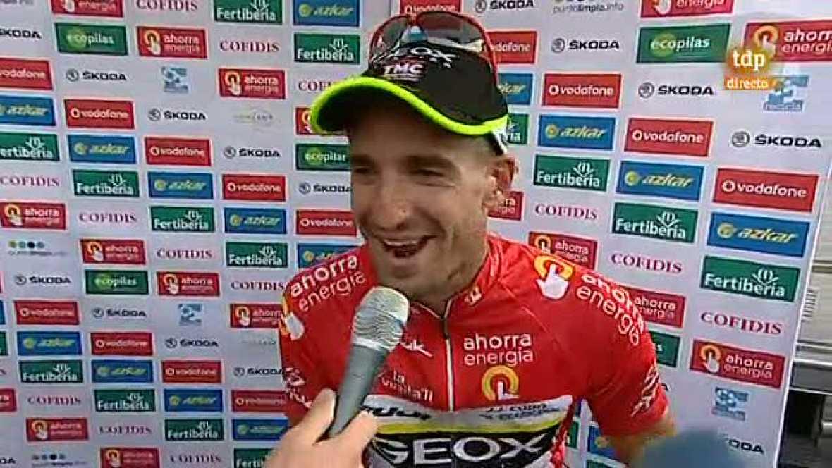 """El español Juan José Cobo, del Geox-TMC, por fin pudo decir, al pasar la línea de meta de la última etapa de la 66ª Vuelta a España, que ya se siente ganador de la carrera que ha liderado los seis últimos días. """"Ahora, con la tensión liberada puedo r"""