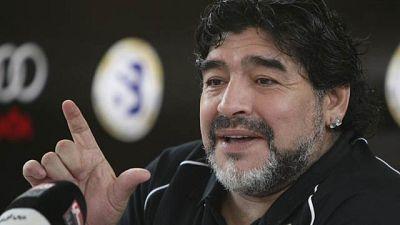 Maradona ha desvelado que recomendó al entrenador madridista Mourinho que fichara a su yerno, el Kun Agüero para alcanzar el nivel del Barça. También ha reconocido que  habló con el exjugador rojiblanco para explicarle que necesitaba ir a un club que