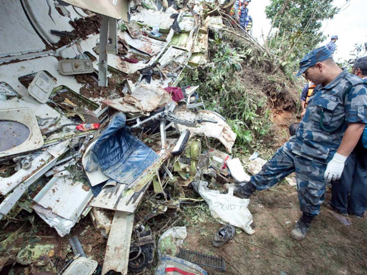 Accidente aéreo en Nepal, Telediario - RTVE.es A la Carta