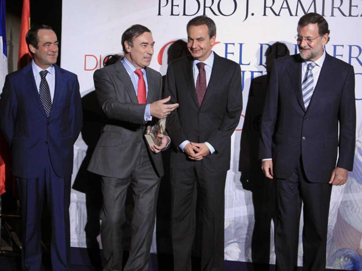 Zapatero y Rajoy en la presentación de un libro de Pedro J. Ramírez