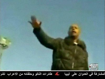 La televisión libia difunde imágenes de Saif al Islam al Gadafi arengando a sus seguidores