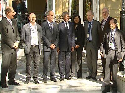 Kofi Annan llega a la Conferencia de San Sebastián