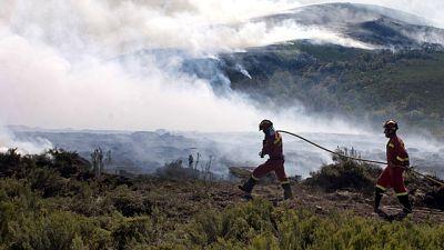 Los incendios se cobran dos víctimas en León y Segovia