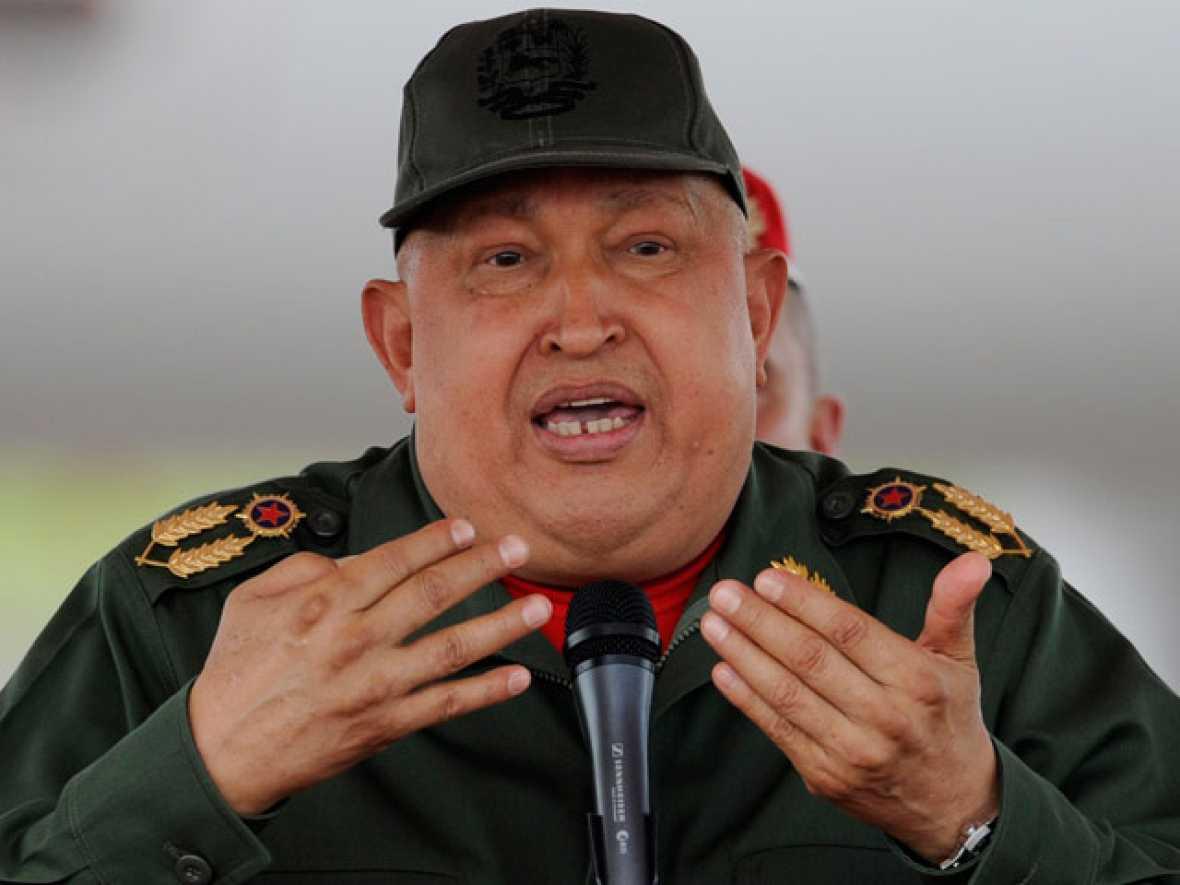 "Hugo Chávez califica a Gadafi de ""mártir"""