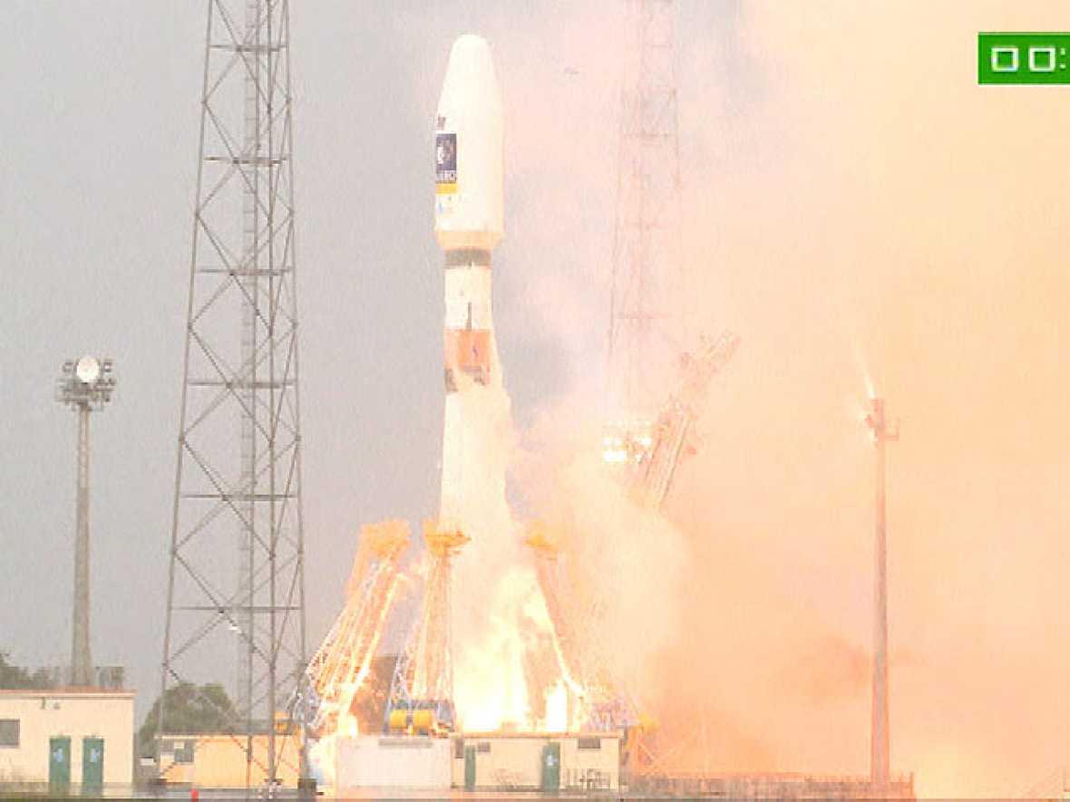 ).- La Agencia Espacial Europea (ESA) lanzó hoy con éxito los dos primeros satélites del sistema de navegación Galileo, que competirán con el GPS estadounidense a partir de 2014.