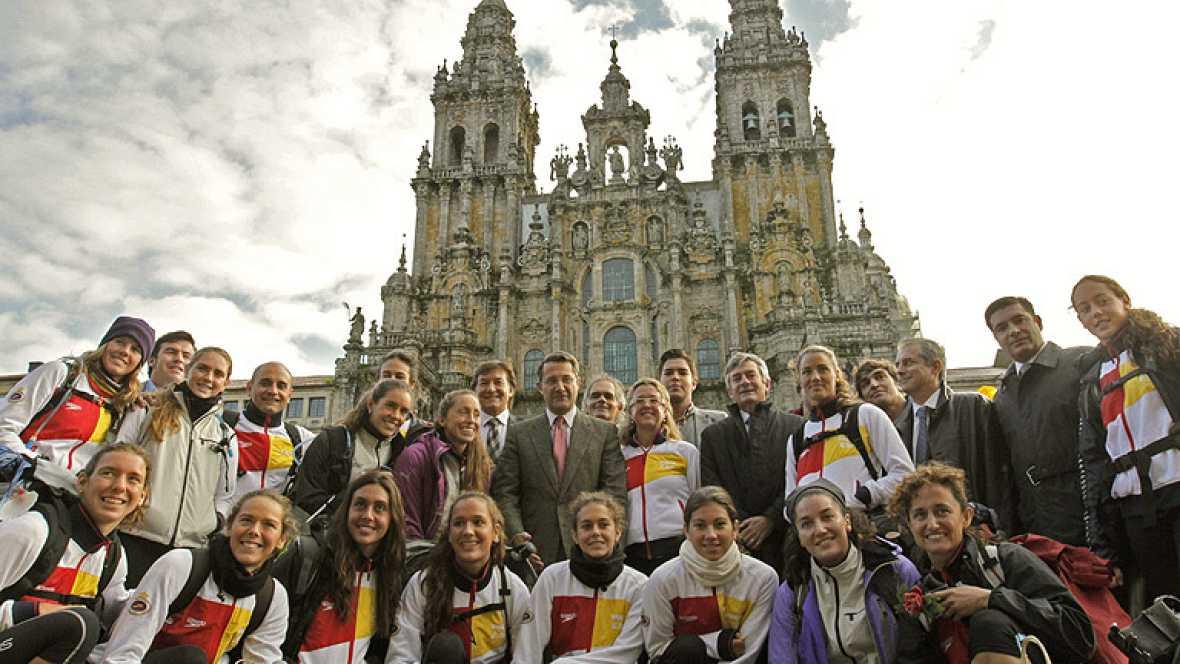 El equipo español de natación sincronizada ha cumplido un objetivo más, pero esta vez fuera del agua, al finalizar el camino de Santiago.