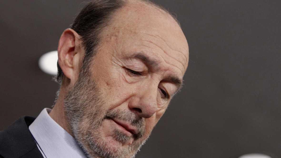 El PSOE se desmorona ante la histórica victoria del PP