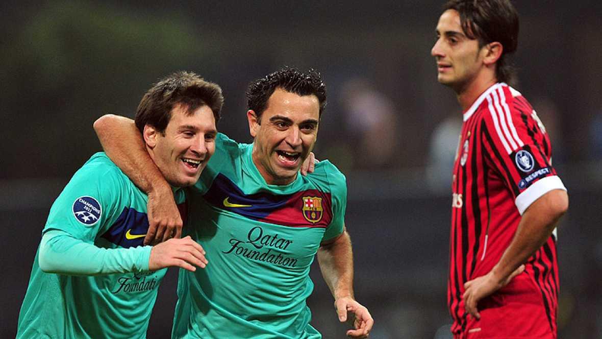 El argentino Lionel Messi adelanta de nuevo al Barcelona al marcar un tanto de penalti que tuvo que repetir ya que su primer disparo fue anulado por una 'paradinha' antireglamentaria.