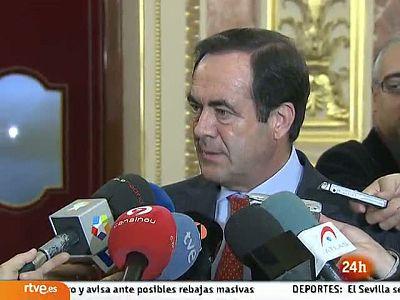 Bono pone en duda que Chacón pueda dirigir el PSOE por ser catalana