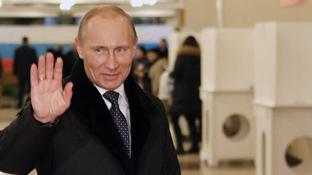 Rusia vota con normalidad en una larga jornada electoral