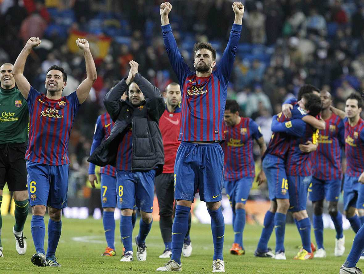 El FC Barcelona ha conseguido la victoria en su visita al Santiago  Bernabéu (1-3) en un partido perteneciente a la decimosexta jornada  de la Liga BBVA y que se decidió en favor de los culés merced a los  goles de Alexis, Xavi Hernández y Cesc Fábr