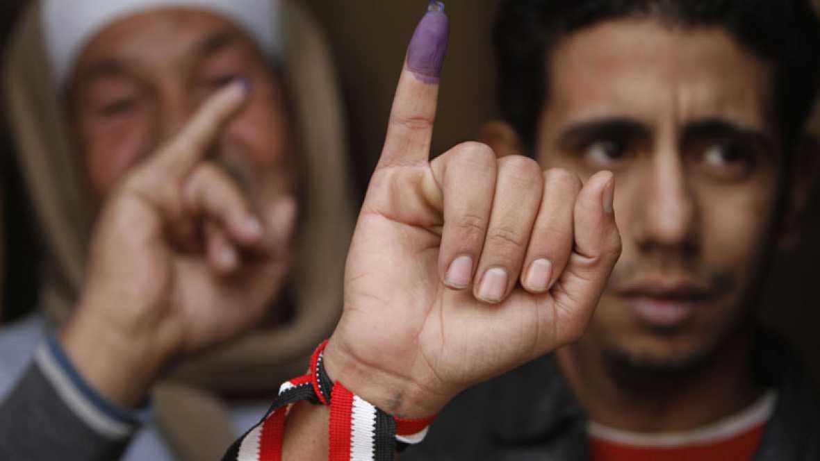 Los islamistas egipcios intentan afianzarse en la segunda fase de las elecciones legislativas