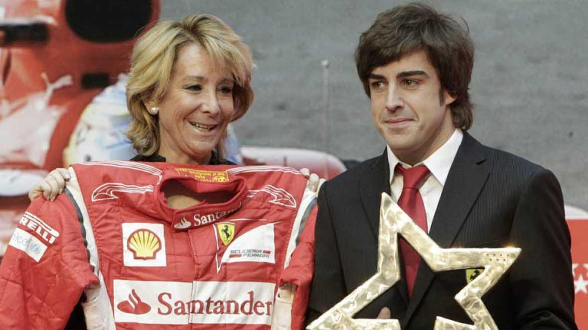 Fernando Alonso ha recibido el Premio Internacional del Deporte de la Comunidad de Madrid por su trayectoria deportiva y su talento. Se lo entregó la presidenta de la Comunidad, Esperanza Aguirre, quien ha resaltado la entrega, la capacidad de sacrif
