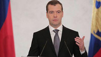 El presidente ruso afronta el debate en la Duma con la protesta en la calle